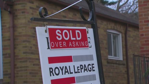 Канадцы на себе ощутили рост процентных ставок