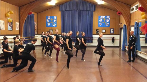 Украинский «смешанный» танец разозлил коренных канадцев