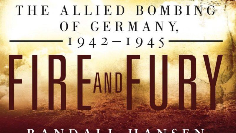 """Книга """"Огонь и ярость"""" о Второй Мировой стала бестселлером благодаря Трампу"""