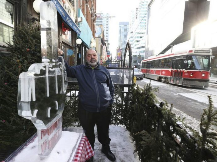 «Бизнес убит. Торонто— город-призрак». King Street закрыт для частного транспорта