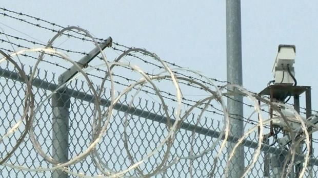 В эдмонтонской тюрьме уволены еще два надсмотрщика