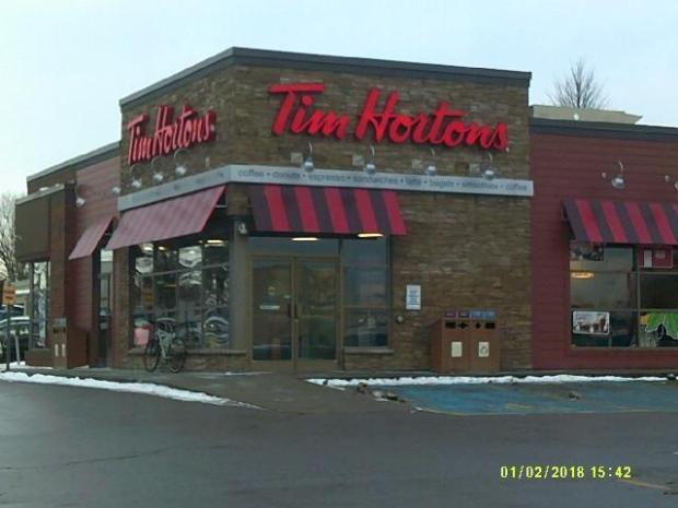 Первые ласточки увеличения зарплаты: Tim Hortons не платит за перерыв