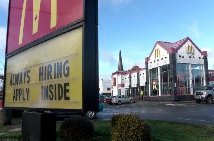 Малыш укололся шприцем в ресторане McDonald's