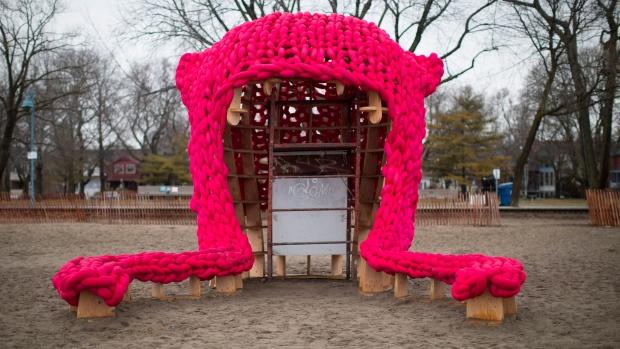 Пусси Хат в Торонто— большой успех вязаной... шапочки