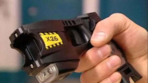 Полиция Торонто получает 400 электрошокеров