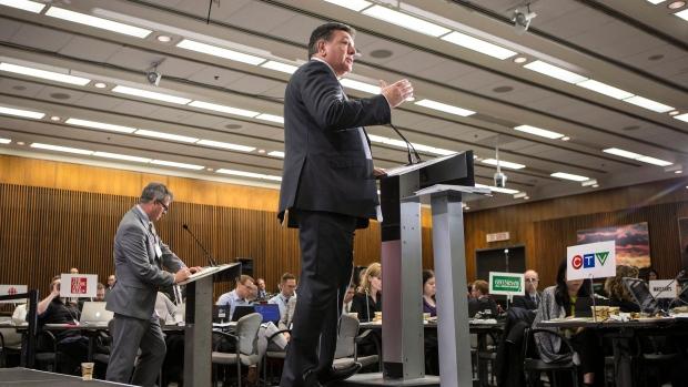 Новый бюджет либералов Онтарио: обещания и дефицит на шесть лет