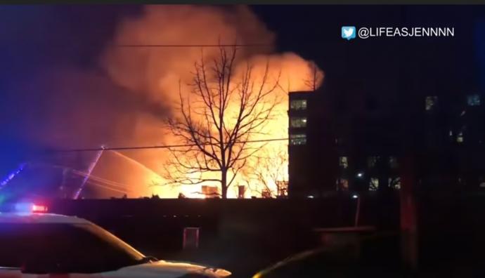 Пожар в Миссиссаге: «что-то вроде взрыва и оранжевое небо»