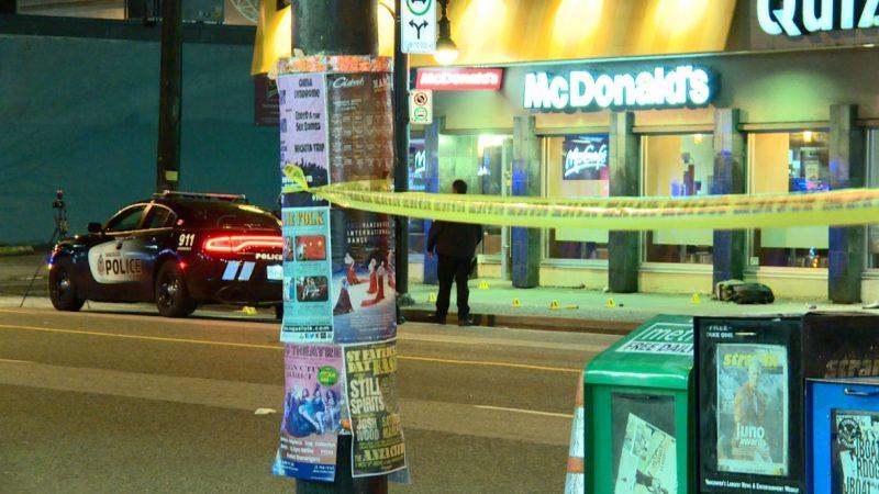 Мужчина поджeг McDonald's в Ванкувере