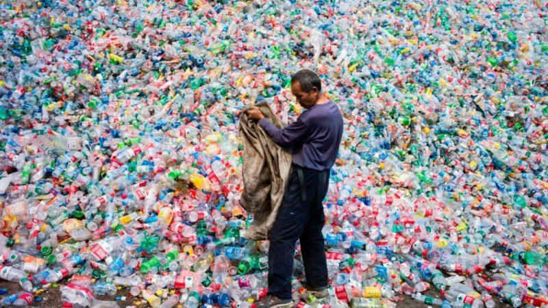 Исследователи обнаружили в «чистой» бутилированной воде микропластик