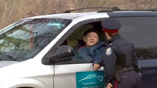 Боевой старик показал в Норс-Йoрке «кузькину мать» муниципалитету Торонто