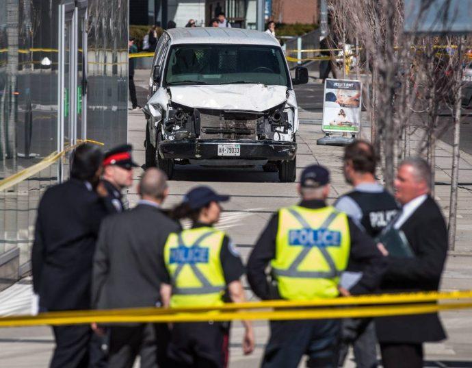 Девственник поневоле (?) убил 10 человек в Торонто