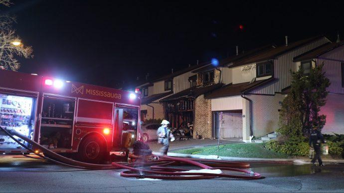 На пожаре в Миссиссаге погибли два человека