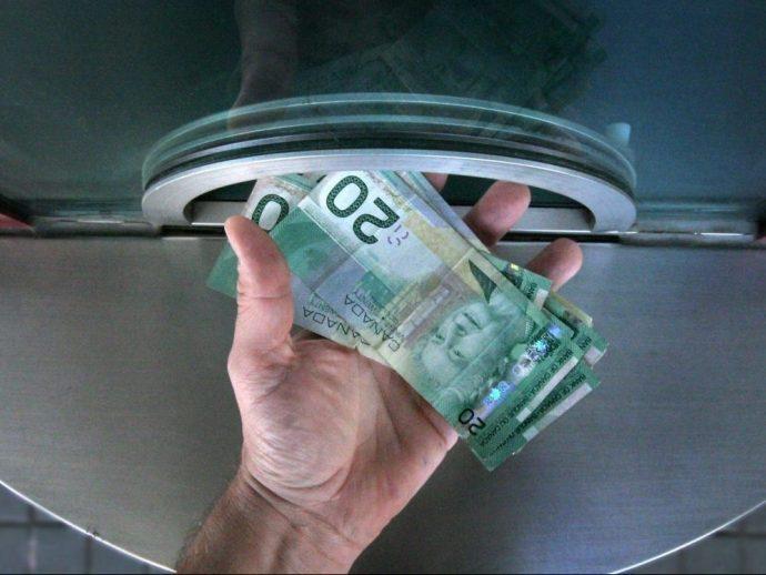 Обязательный минимальный доход будет стоить Канаде более $76 миллиардов