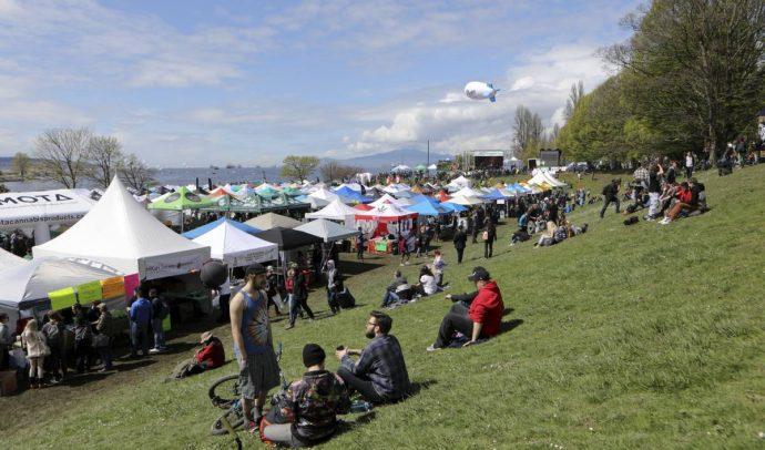 Парк обвиняет любителей марихуаны в вытаптывании полянок