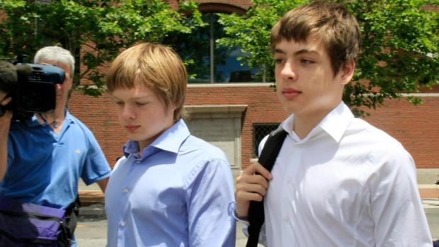 Старший сын российских шпионов получил по суду канадское гражданство