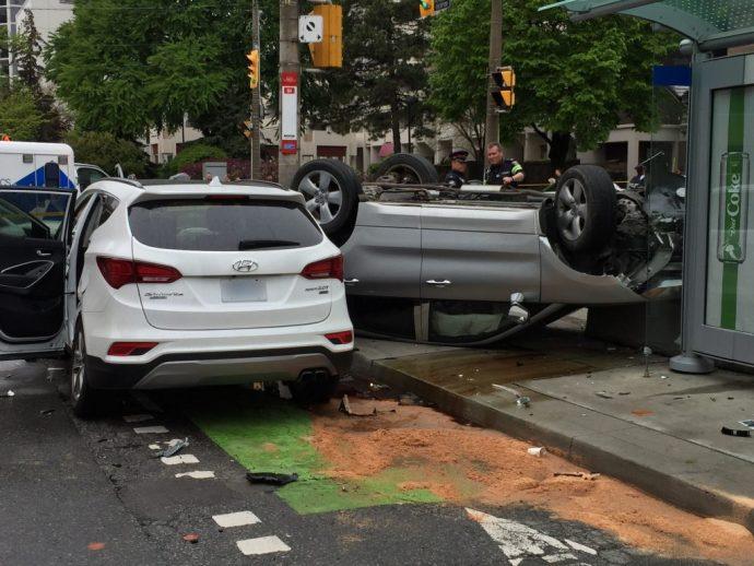 Ограбление и сальто-мортале на машине в центре Торонто