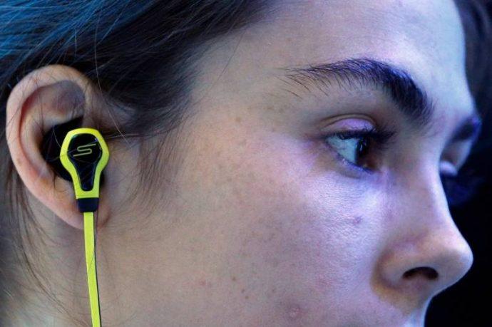 Модные наушники способствуют потере слуха