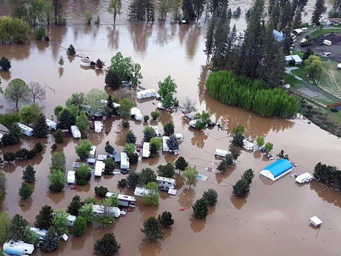 Наводнение в Британской Колумбии: на помощь отправлены войска
