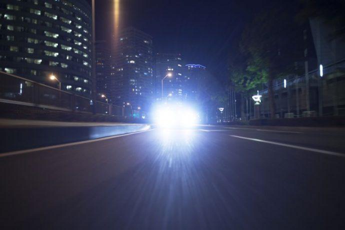 Канадский водитель, мигнувший «дальним» встречному транспорту, избавлен от штрафа
