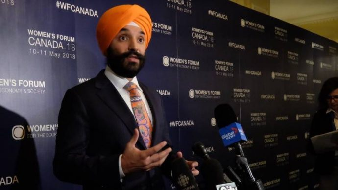 Тюрбан министра— предмет трений между Канадой и США