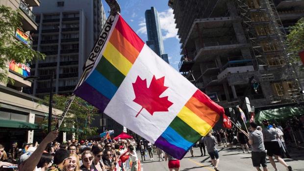Полицейские пройдут в параде ЛГБТ-общины в гражданской одежде