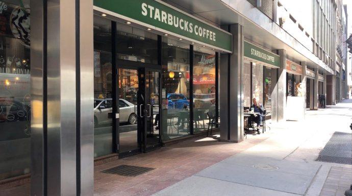 В туалете кафе Starbucks была спрятана видео-камера