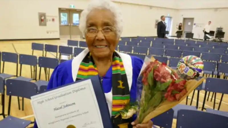 Почетный аттестат 99-летней канадской бабушке
