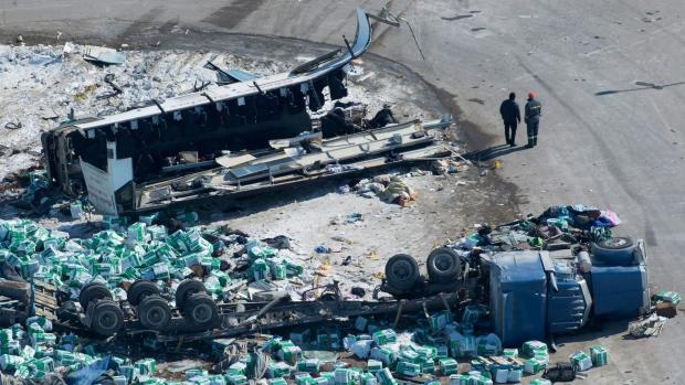 Водитель грузовика обвинен в гибели хоккейной команды Humboldt Broncos