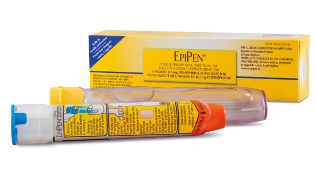 Детских препаратов EpiPen достаточно, а взрослым придется потерпеть