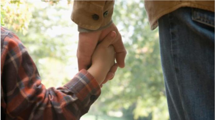 Суд оставил отцом не биологического, а воспитывающего родителя