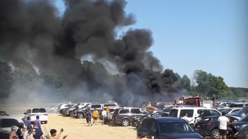 Более трех десятков машин сгорели на лавандовом фестивале в Канаде