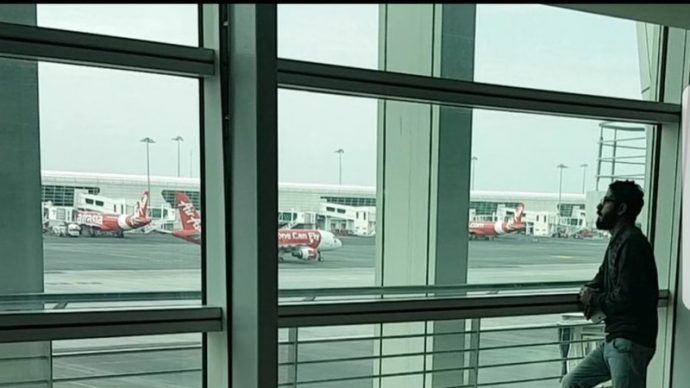 Сириец живет в аэропорту Малайзии и мечтает о Канаде