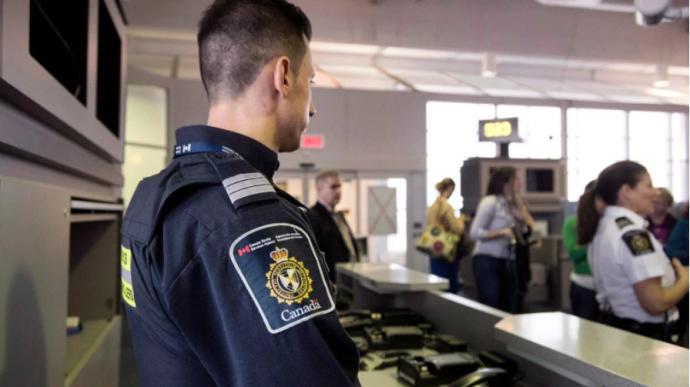 Депортируемый Канадой нигериец погиб. Вдова требует информацию