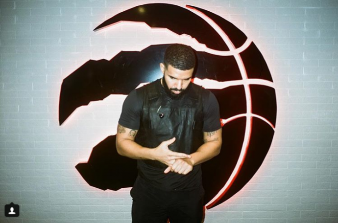 Дрейк хочет купить Toronto Raptors?