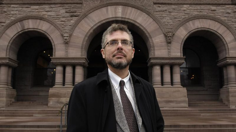 Канадский адвокат попал под суд за двоеженство и подделку документов