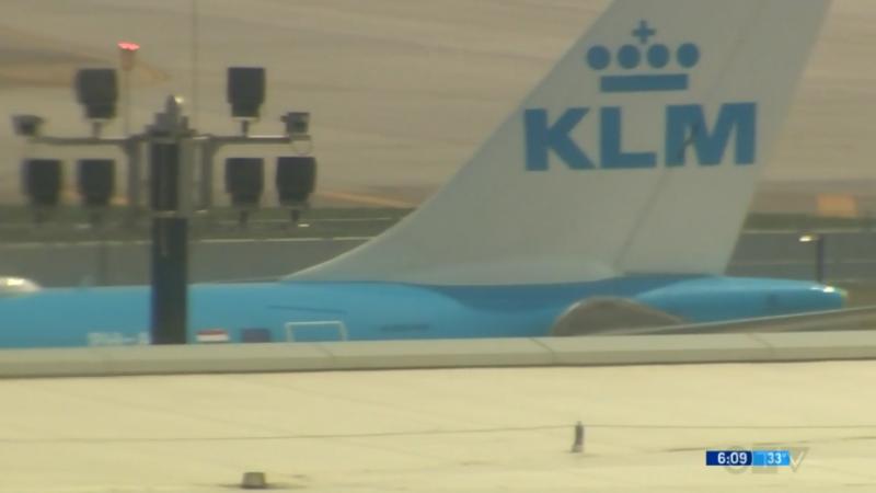 Пассажир, которого депортировали из Канады, погиб на борту самолета