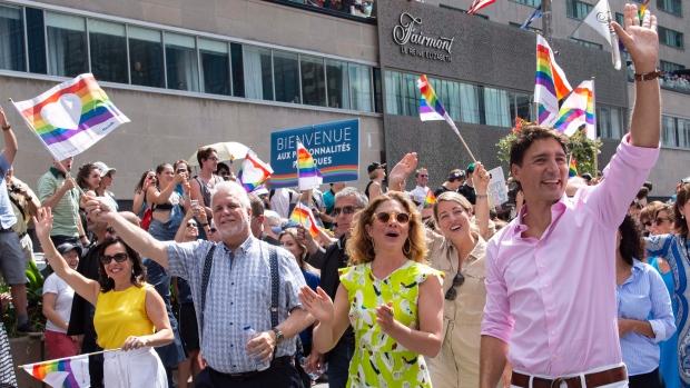 Трюдо и другие политики прошлись в Параде гордости Монреаля