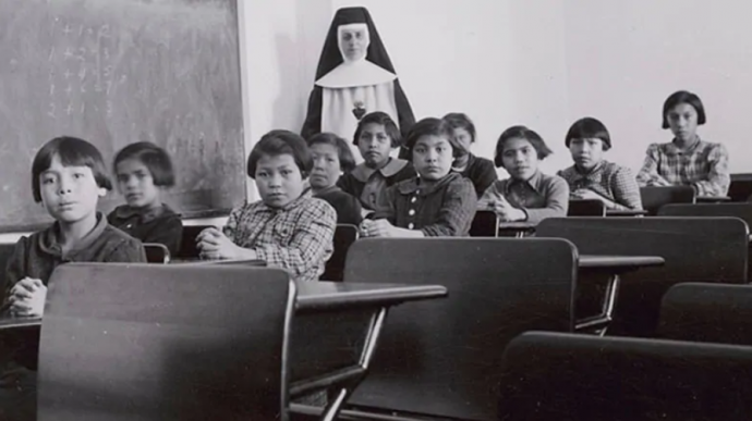 Канада планирует учредить День индейских интернатов