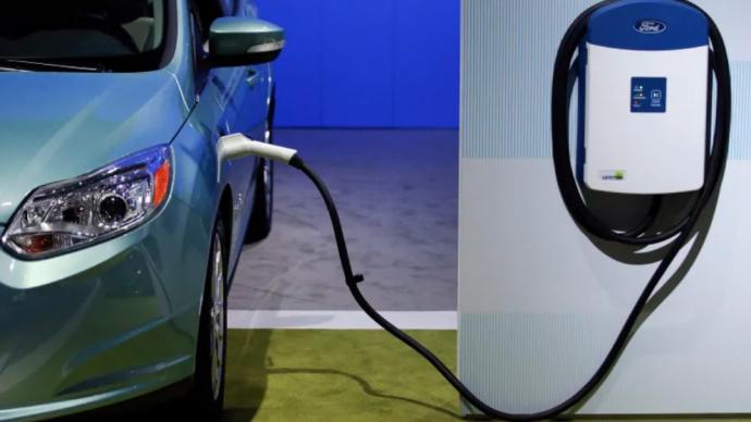 Ford отзывает шнуры для подзарядки «гибридов» и электромобилей