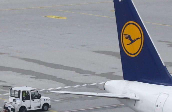 Пассажирам Lufhansa несладко пришлось в канадском аэропорту