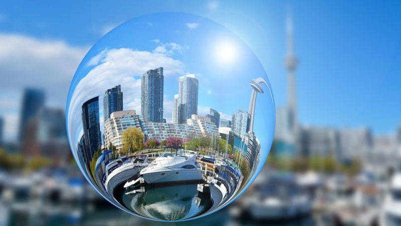 Торонто, Ванкувер. И все же— это жилищный пузырь