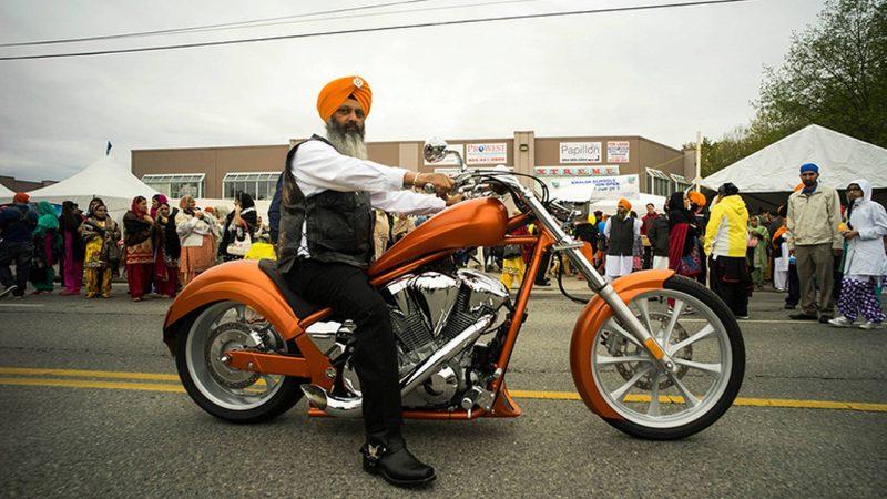 С онтарийских сикхов снимут мотоциклетный шлем