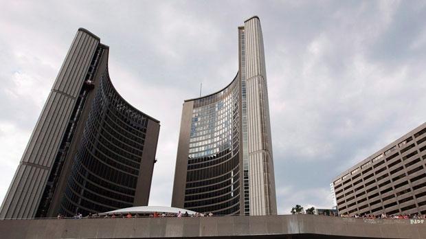 Суд отменяет сокращение числа депутатов в Торонто