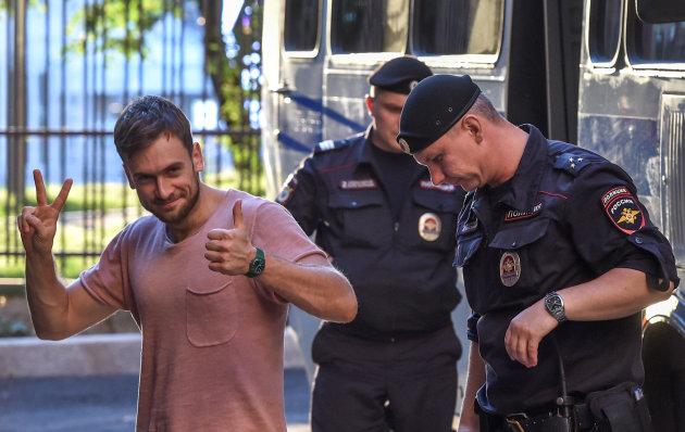 Канада озабочена отравлением участника Pussy Riot в России
