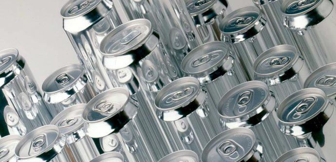 Канада исключит алюминиевые банки из таможенного списка