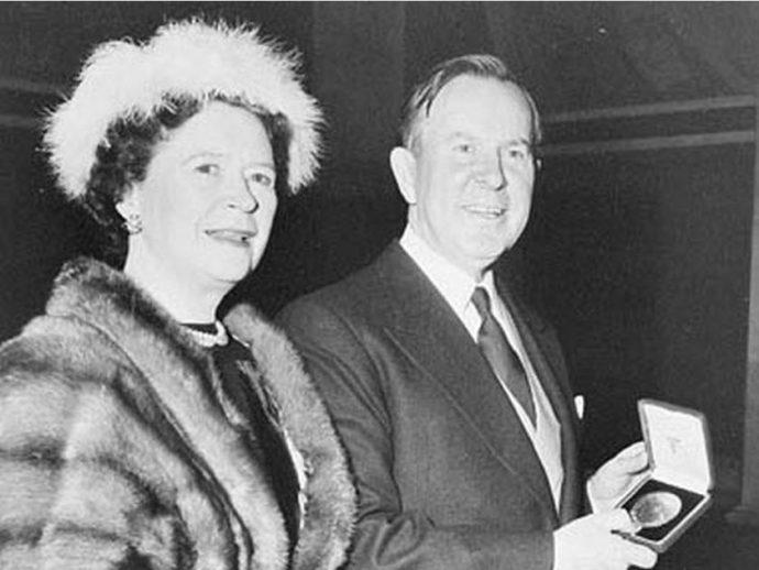 История: Лестер Пирсон стал 14 октября лауреатом Нобелевской премии мира