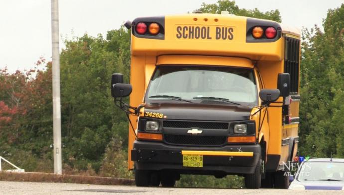 Дети довели водителя школьного автобуса...