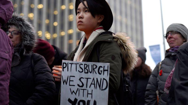 По Канаде проходят церемонии поминовения жертв питтсбургской трагедии