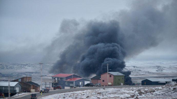 Пострадавший от пожара супермаркет в Икалуите вновь открыт