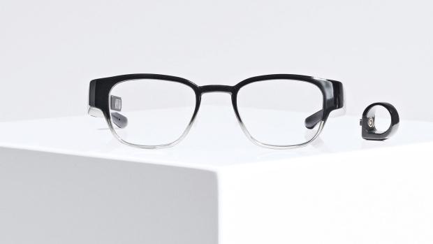 Смарт-очки из канадского технологического кластера